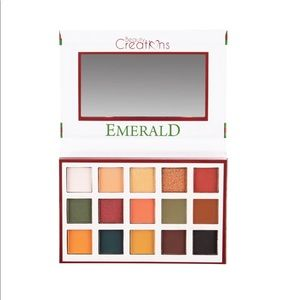 Esmeralda by Beauty Creations Eyeshadow Palette